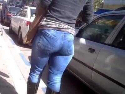 Nature ass in jeans