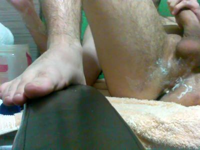 Really young boy fist his ass until he cums prematurely