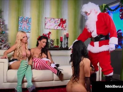 Cum Swappin Nikki Benz Bangs Santa Claus In Hot 4 Way Fuck!