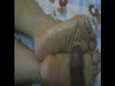 44 years old arabic soles preview(mature beurette.)