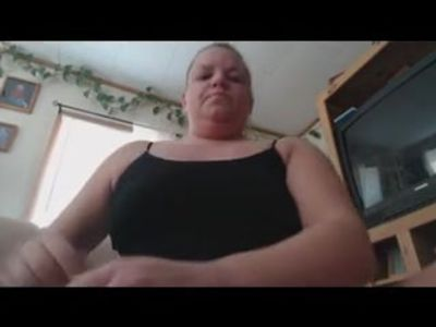 Chubby mature strip and play.flv