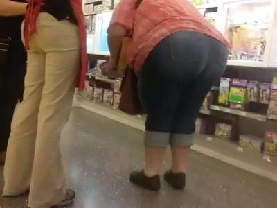 Huge bbw pawg in jeans