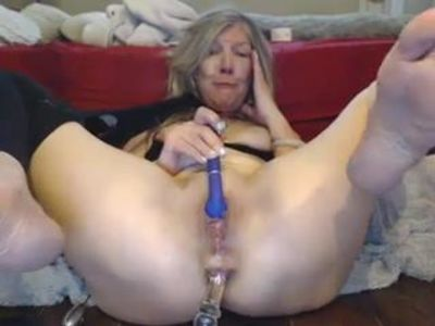 Cute mature masturbation