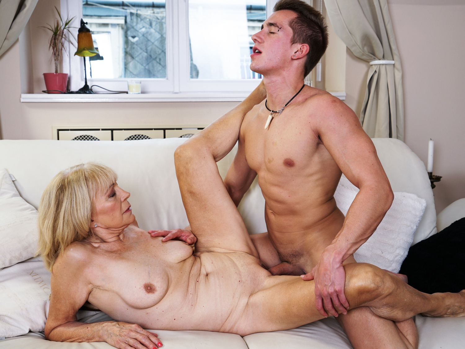 Son have sex with his mom