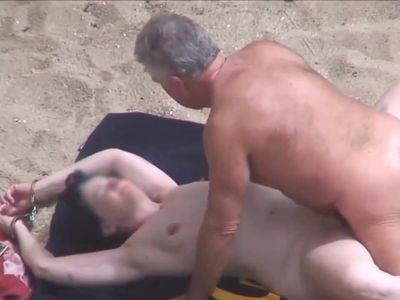 Mature Beach.avi