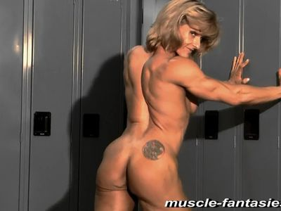 sexy milf muscle