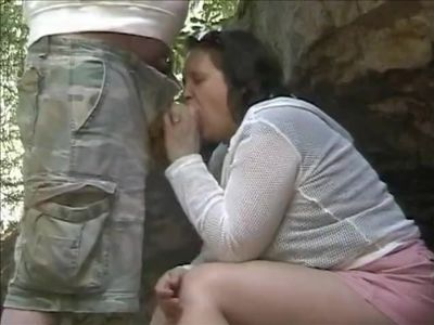 dicklaura sucking cock
