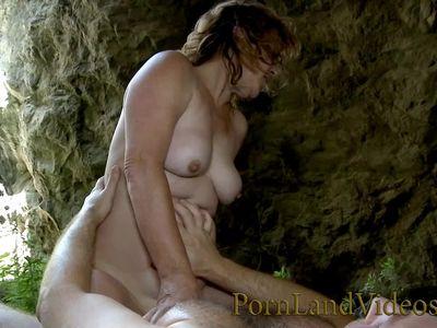 horny Spanish mommy Delia Rosa fucking with stranger