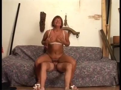 Italian mature Lory 1.