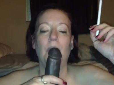 MATURE WHITE WOMAN SUCKS BBC AND SMOKES 120