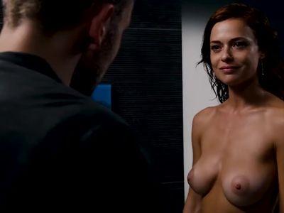 Valeria Bilello in Sense8 S02E04