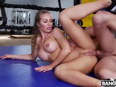 Big Boobs Aunty Nicole Aniston, Creampie