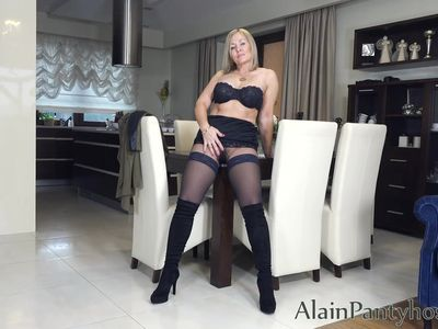 Ala in pantyhose layered nylons show her sexy pussy