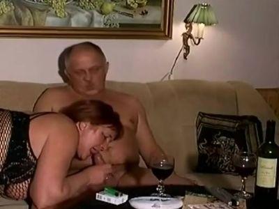 Sex on sopha