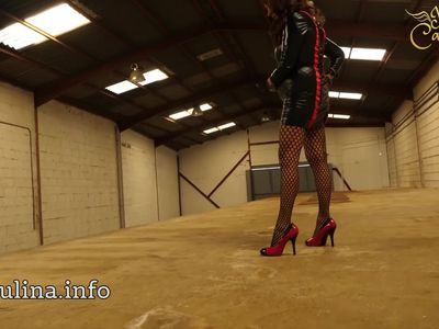 Mature Wetlook Herrin Carmen Walk High-Heels Fishnets PVC