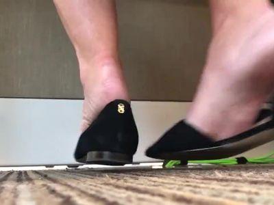 Candid Milf shoeplay