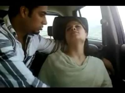 indian women give blowjob and seduce husband for sex in car