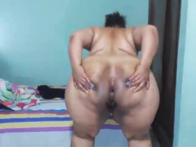 Colombian bbw big ass play farting