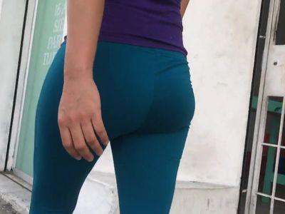 Leggins Azules-Meneo De Nalgas Ricura