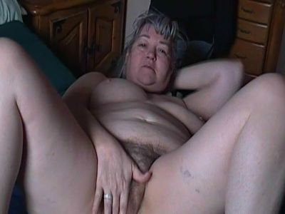 Kim Bates cleans her hairy pussy. Like the pussy?