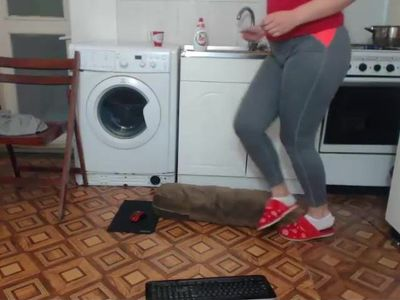 Sexy mature masturbates in the kitchen
