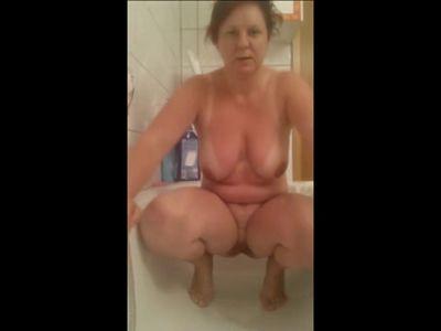 Chubby Bitch Piss Play
