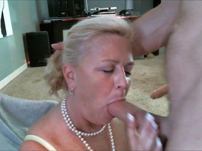 MATURE Double Penetration Fucking Machine Facial