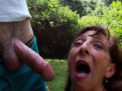 Sexy Milf Marie Blowjob Cum Swallow Sunshine