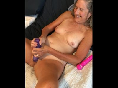 Hot Milf Rubs Her Pussy Close Up With Big Dildo Mature Granny 60 Year Old