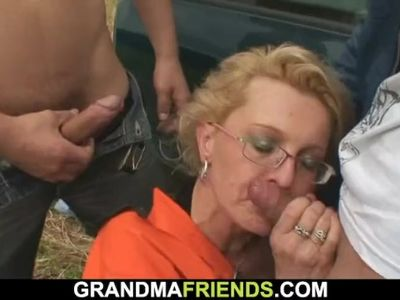 Shaved pussy blonde granny is fucked in the fields