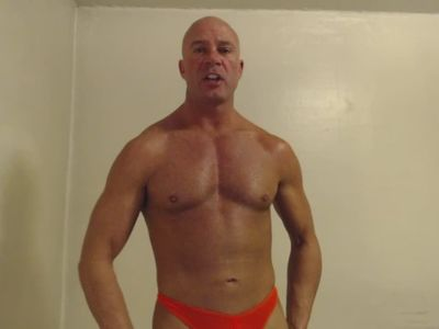 SEXY DAD LOTIONS TANNED BODY THONG MATURE DADDY BIG DICK COCK MUSCLES BALD