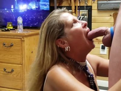 Mature Daizy Layne Schoolgirl Deepthroats,Sucks,Swallows Huge Cock