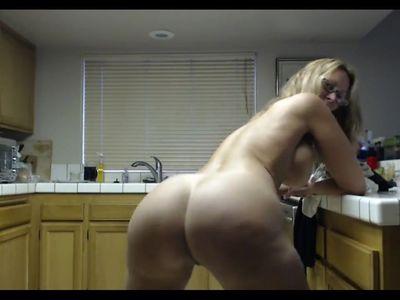 Hot mature momma loves to twerk for horny son