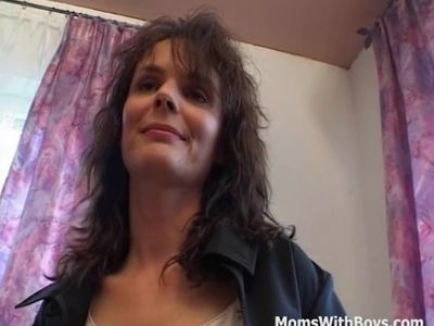 MILF Gives A Masturbation Private Show