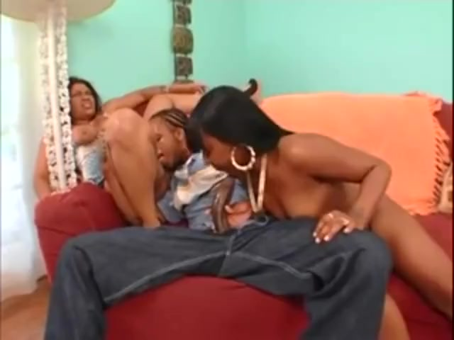 Mature interracial threesomes sex pictures