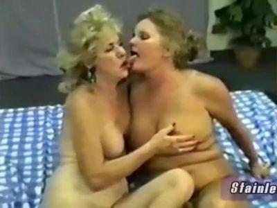 Swinger Granny Mrs. Richards Loves fucking around