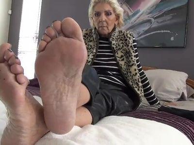 tickling-  very ticklish mature Hispanic feet