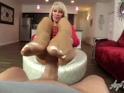 Nikki Ashton - your Dick Loves Pantyhosed Feet