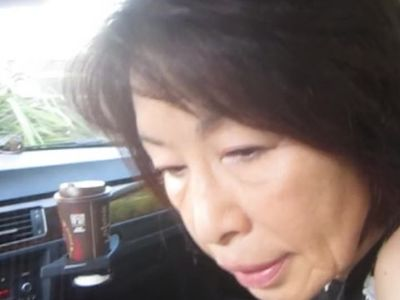 Sexy Japanese mature car blowjob