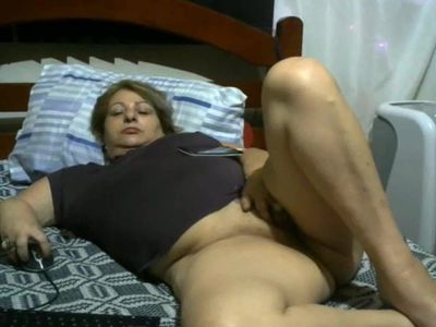 Romanian Mature in bed 09