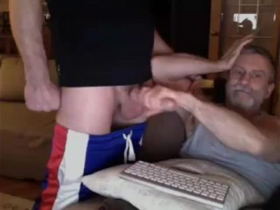 Daddy bear prefer big dicks live on Cruisingcams com