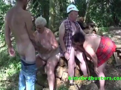 Two matures blowing hard lumberjacks