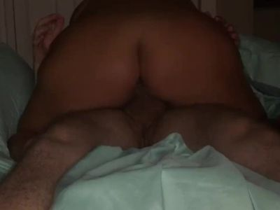Quickie with premature creampie