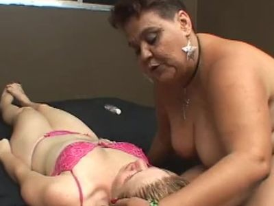 Brazil Lesbian Facefucks Sub