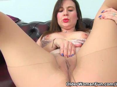 British milf Cherri dildos her juicy fanny