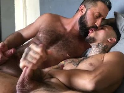 DADDY PLAYS WITH HIS BOY! ORAL & CUMSHOTS