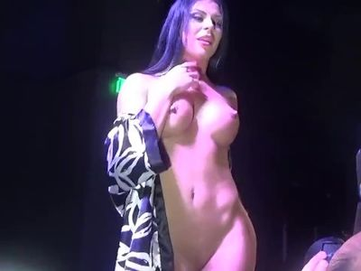 Inna Innaki Getting Fucked By Her Boy Friend On Stage