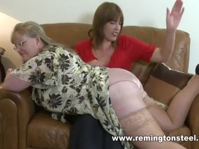 Mature housewife wants her bare bottom apanked