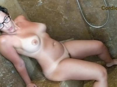 Cordie Masturbates in the Shower