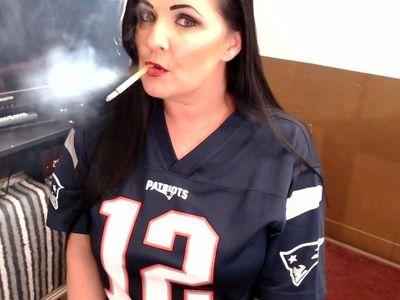 Smoking Hot Lipstick Lesbian